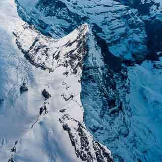 Luftaufnahme vom Eiger in den Berner Alpen