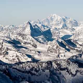 Matterhorn und Mont Blanc aus der Luft