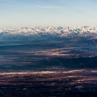 Luftaufnahme der Alpen von Süden