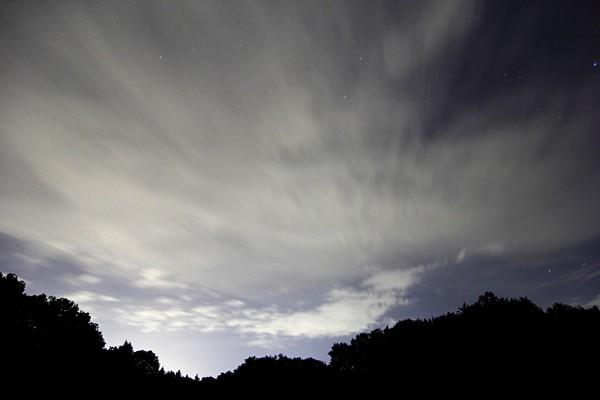 Ziehende Wolken bei Nacht am Schönbuchrand