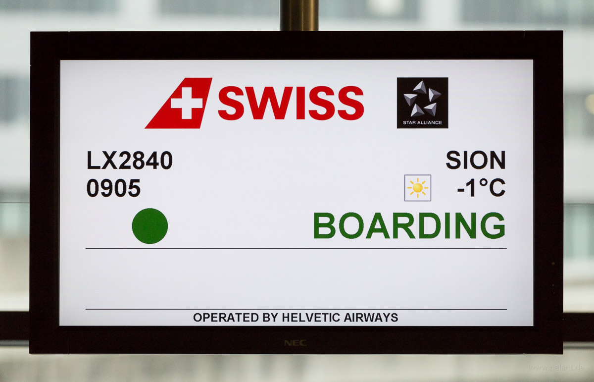 Monitor mit Anzeige LX2840 ZRH - SIR Helvetic Airways