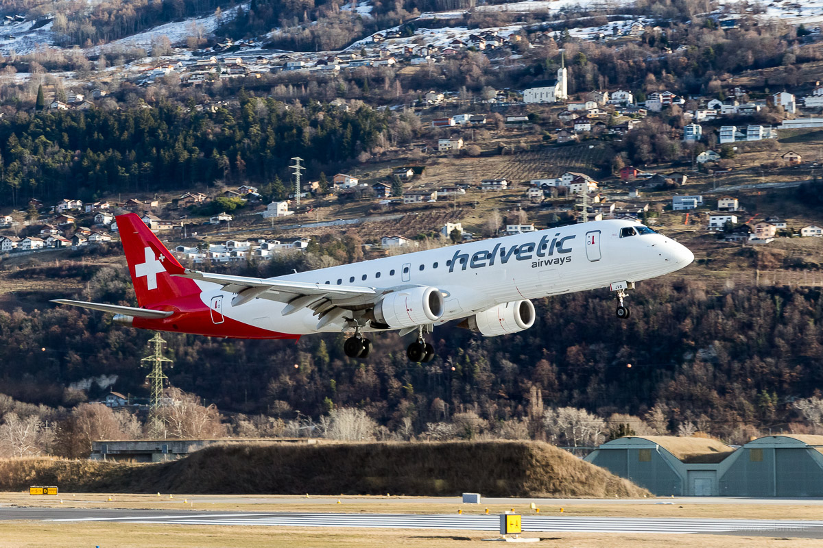 HB-JVO | Helvetic Airways | Embraer 190 Landung in Sitten (Sion) SIR