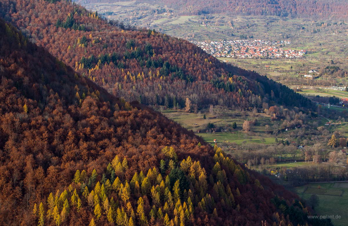 view over the Albtrauf and the Ermstal in autumn