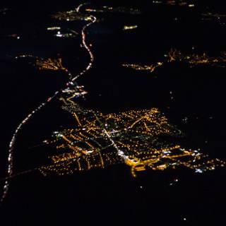 Luftbild von Rutesheim und der A8 bei Nacht
