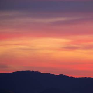 Abendrot über dem Roßbergturm