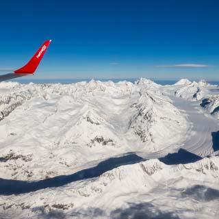Luftbild von dem Aletschgletscher in den Berner Alpen im Winter