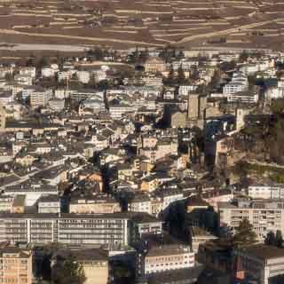 Luftaufnahme der Altstadt von Sitten