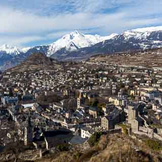 Blick vom Tourbillon auf die Altstadt von Sitten
