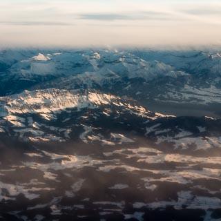Luftbild von Sigriswilgrat, Güggisgrat und dem Thunersee
