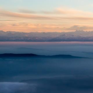 Alpen in der Abenddämmerung