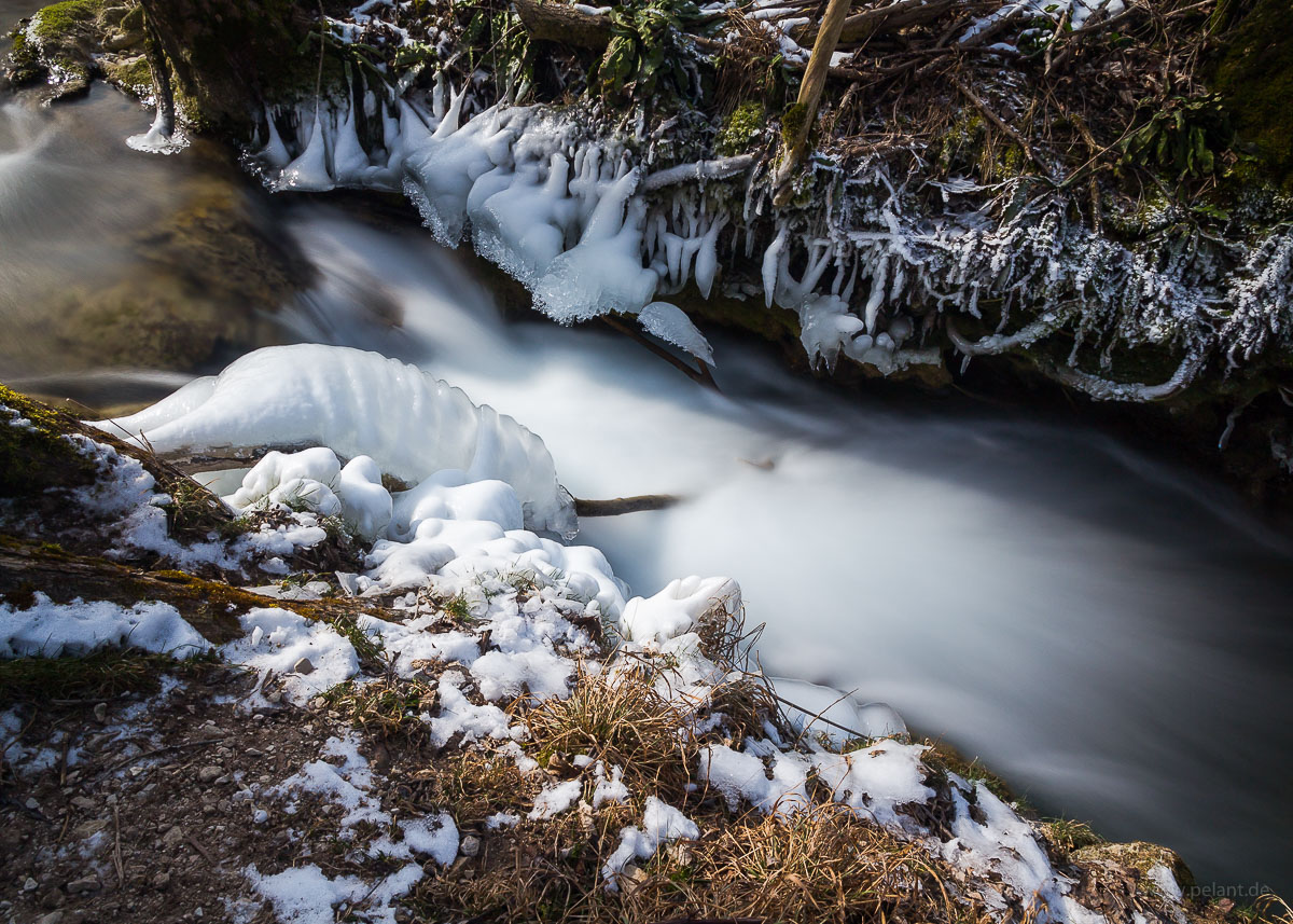 long exposure of ice along the Brühlbach stream near Bad Urach in winter