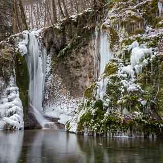 gefrorener Gütersteiner Wasserfall
